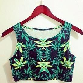 *Free ship* green leaf / weed crop tank top